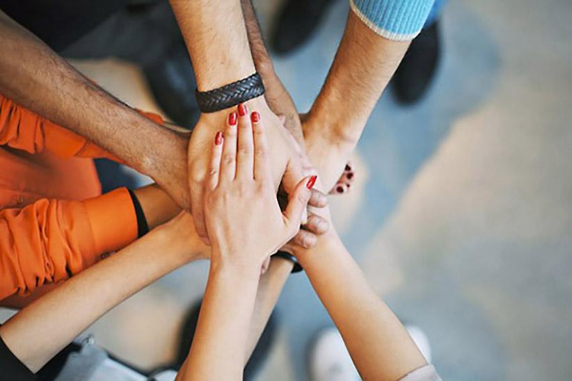 team-support-hands